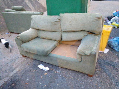 Sofa canibal